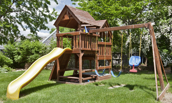 Outdoor Play Houses, Swing Sets and Trampolines Service